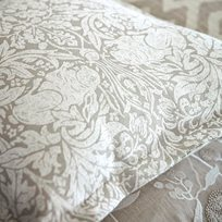 William Morris Pure Brer Rabbit Weave